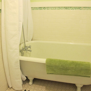 Garden Family Suite - Claw Foot Soaker Tub