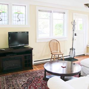 Oak Family Suite - Living Room